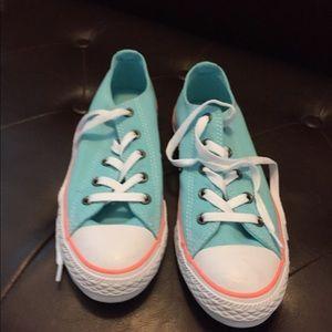 Converse Sneakers (NWOT)
